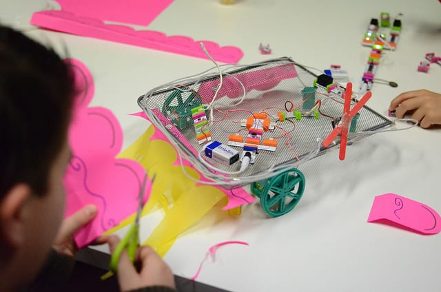 littleBits wagon