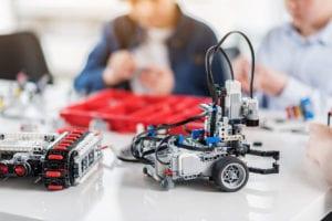 kids making robots