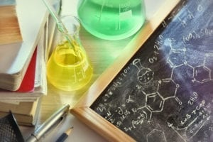 Classroom_with_blackboard_and_chemistry_materials